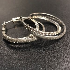 EUC White Crystal Silver Tone Shimmer Hoops w Box